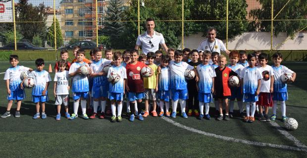 Eskişehirspor yaz okuluna büyük ilgi