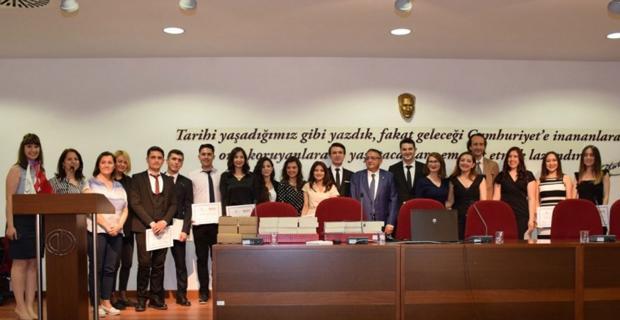İİBF'de mezuniyet heyecanı