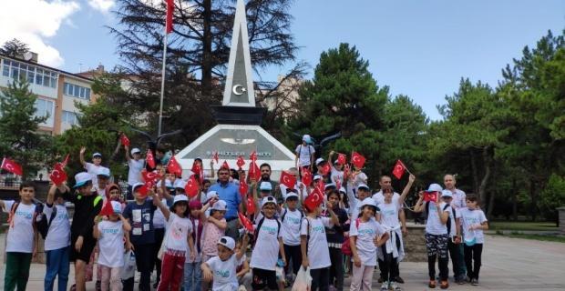 Ortaokul öğrencilerinden şehitlik ziyareti