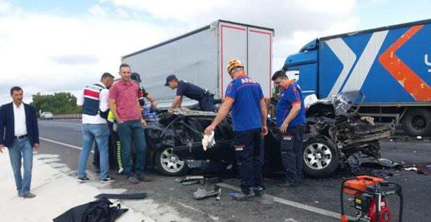 Arızalanan kamyona çarptı: 1 ölü, 3 yaralı