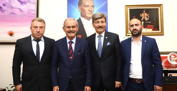 İYİ Parti, Büyükerşen'i ziyaret etti