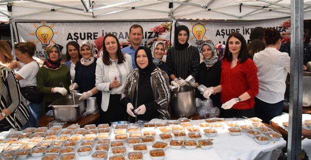 AK Parti Kadın Kollarından Aşure İkramı
