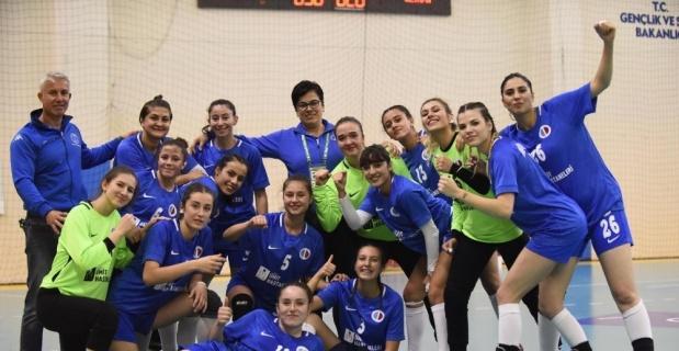 B1-Anadolu Üniversitesi hentbolda farklı kazandı