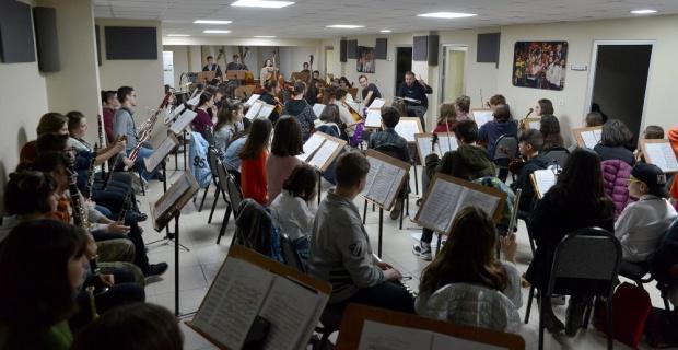 Çocuk Senfoni Orkestrasının prova çalışmaları sürüyor
