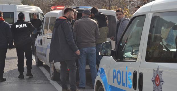 """Polisin """"Dur"""" ihtarına uymayan sürücü ortalığı birbirine kattı"""