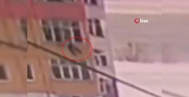 9'uncu kattan düştü, hayatta kaldı