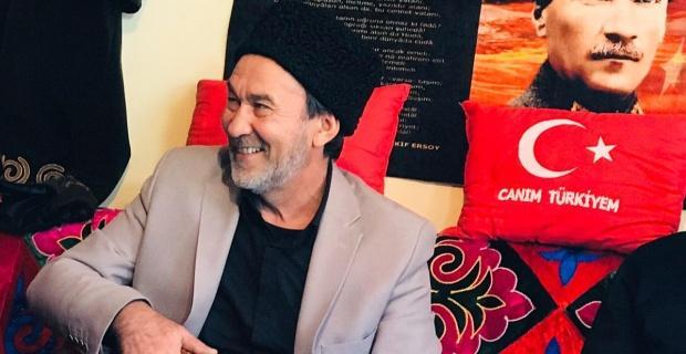 "Dombra santçısı Arslanbek ""Tarihi Kum Kahvecisi "" konağında"