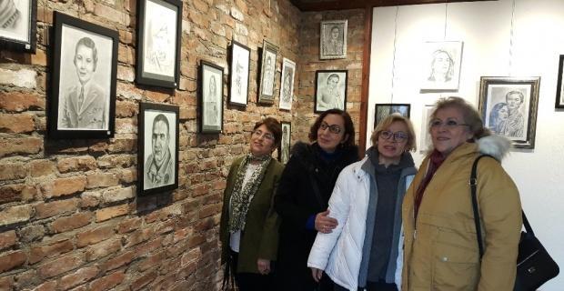 Eskişehirli ressam Salih Sel'den 'Karakalem Portre Sergisi'