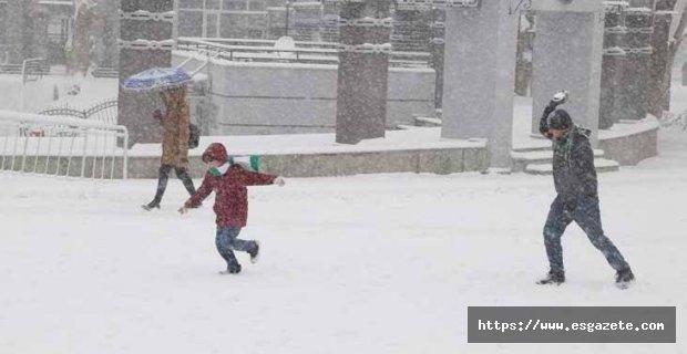 Kütahya'da Çarşamba okullara kar tatili