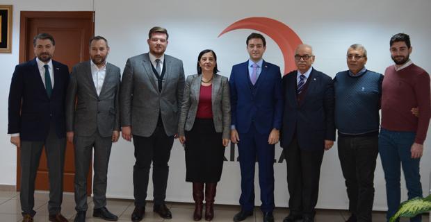 Milletvekili Jale Nur Süllü'den Kızılay'a Ziyaret
