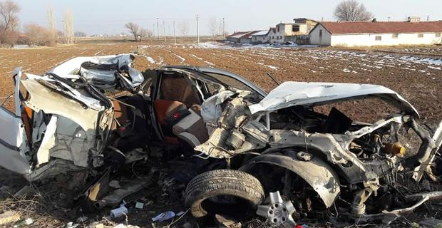 Otomobil paramparça oldu/Afyonkarahisar