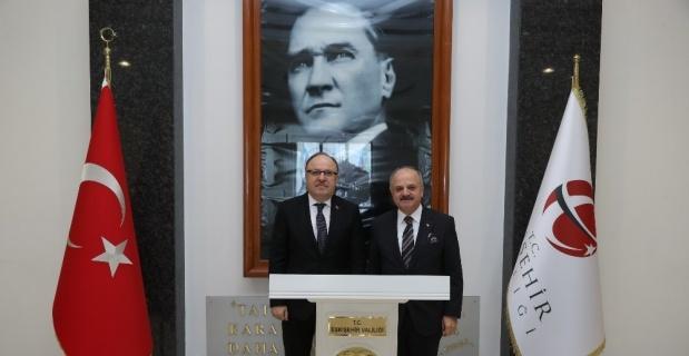 Vali Çakacak, Afyonkarahisar Valisi Tutulmaz'ı makamında ağırladı
