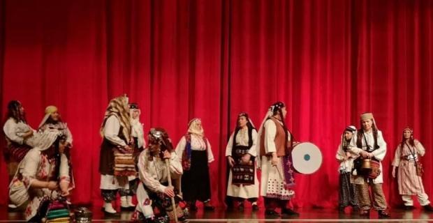 'Zafere Götüren Analar' adlı tiyatro oyunu Kırşehir halkı ile buluştu