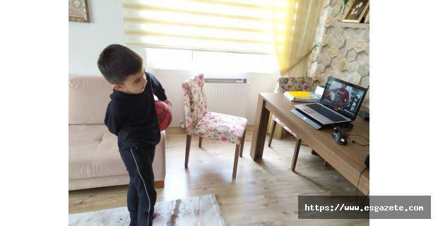Cedi Osman Academy evde çalışıyor