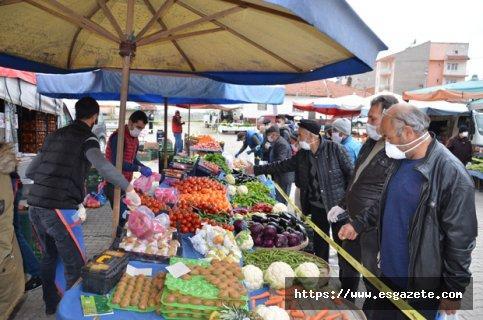 Seyitgazi pazarında korona tedbirleri