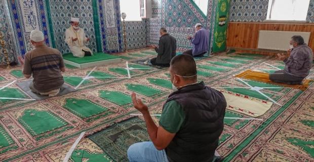 Camilerde yeniden buluşma sevinci