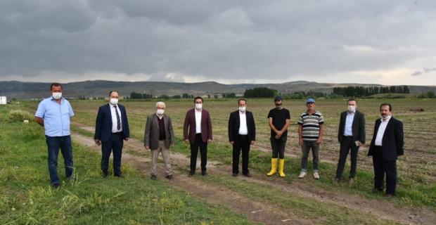 Çiftçilere geçmiş olsun ziyareti