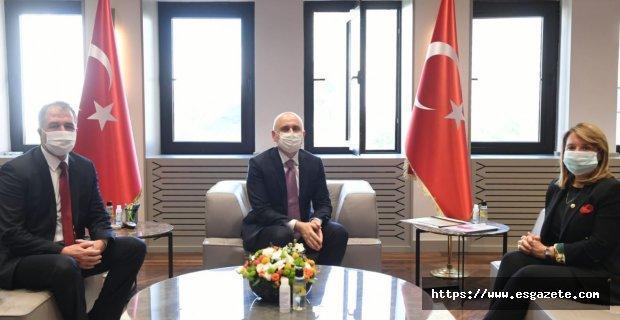 Günay'dan Ulaştırma Bakanına Sarıcakaya Ziyareti