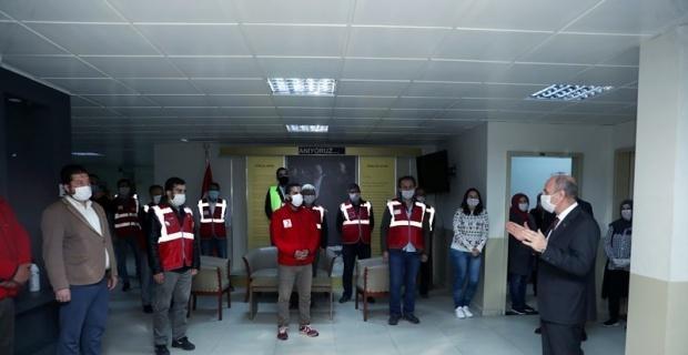 """Vali Çakacak'tan """"Vefa Sosyal Destek Grupları""""na teşekkür ziyareti"""