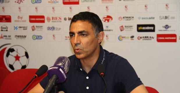 """Özer: """"Eskişehir takımına sahip çıkmalı"""""""