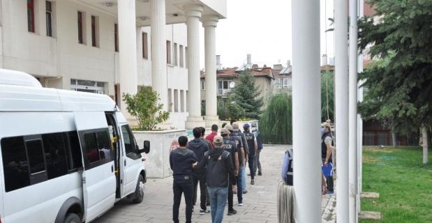 Afyonkarahisar merkezli 3 ilde FETÖ operasyonu: 6 gözaltı