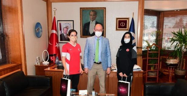 Rektör Erdal, Tekvando Milli Takımı antrenörlerini ağırladı