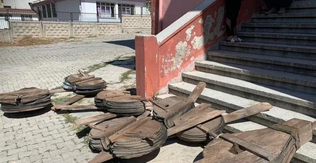 Sandıklı'da okul bodrumundan tarih çıktı