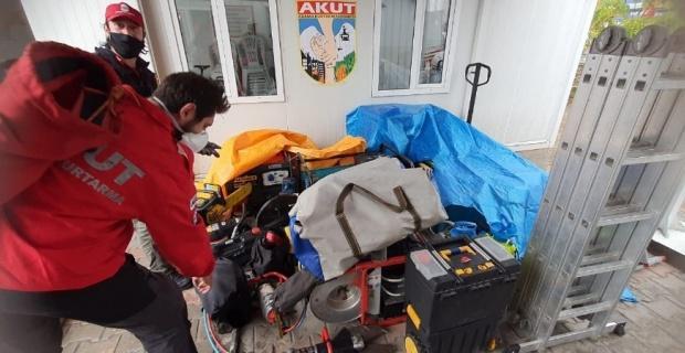 AKUT Eskişehir ekibi İzmir'e destek için yola çıktı