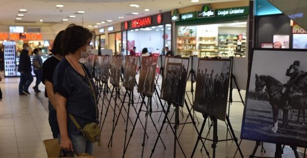 """""""Fotoğraflar ile Cumhuriyet Sergisi"""" beğeni topluyor"""
