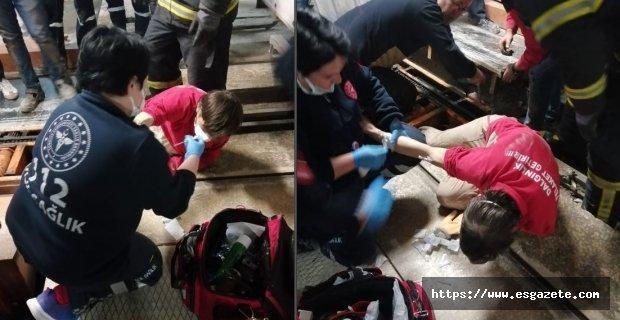 Ayağı makinaya sıkışan işçiyi itfaiye ekipleri kurtardı
