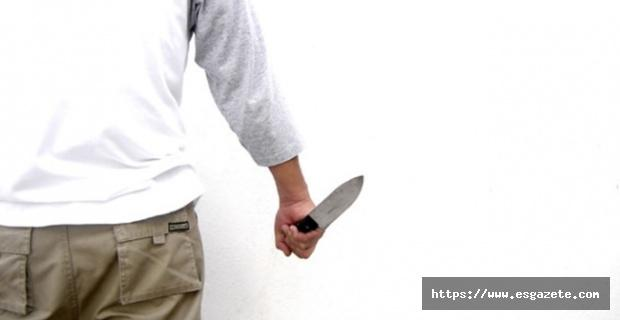 Otel sahibi ile müşteri arasında bıçaklı kavga çıktı