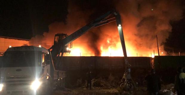 Yangın 120 ton su ile 8 saatte söndürülebildi
