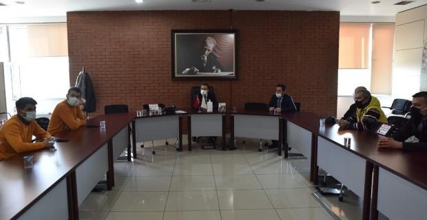 Apartman görevlileri Başkan Ataç'ı ziyaret etti