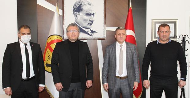 Eskişehirspor Orman'ı için imzalar atıldı
