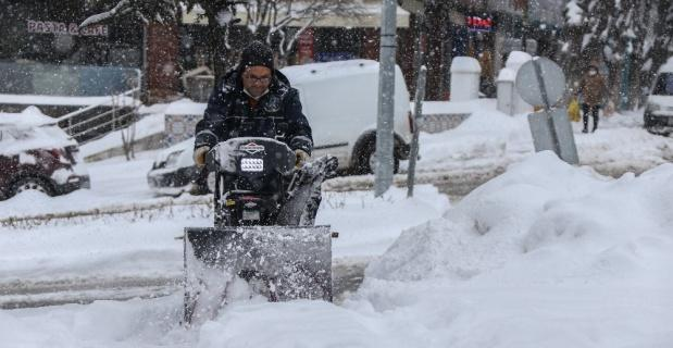 Karla mücadele ekipleri 24 saat esasına göre çalışıyor