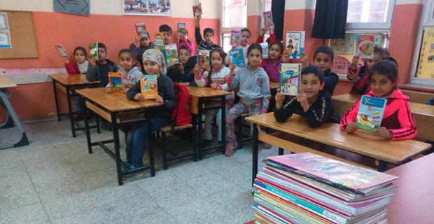 Köy okullarına kitap desteği