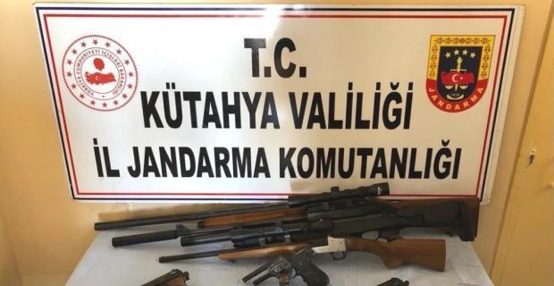 Kütahya'da kaçak silah operasyonu