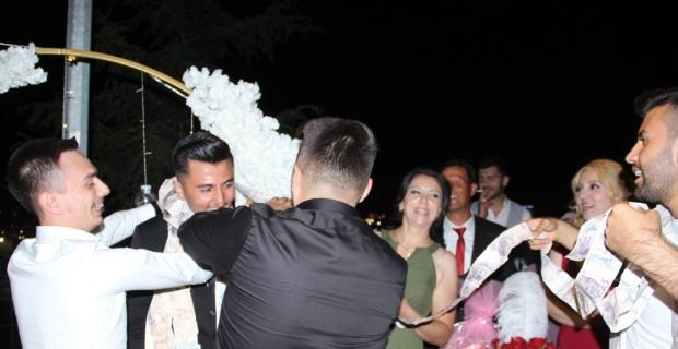 Afyonkarahisar'da bir garip takı töreni