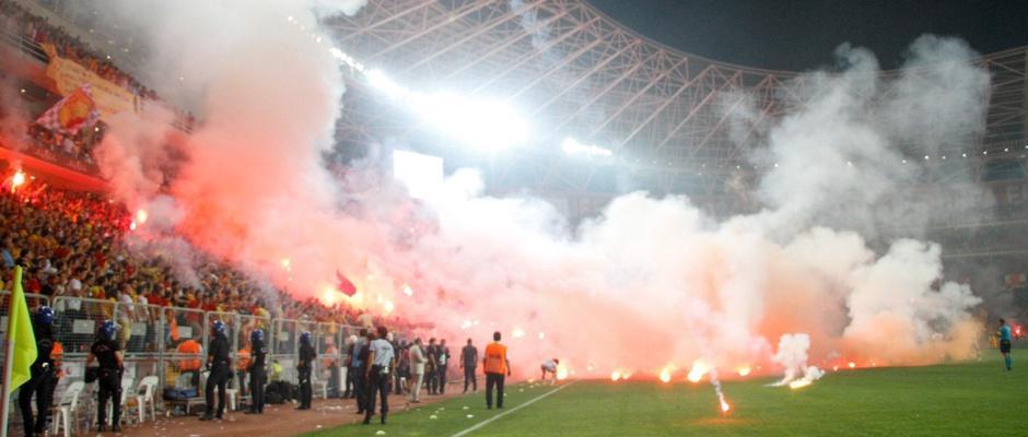 Stadyumlardaki güvenlik açıkları