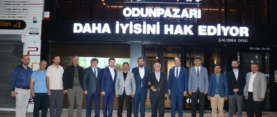 AK Parti'de sürpriz zirve