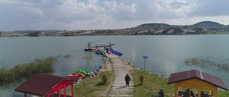 Emre Gölü Frig Vadisi'ni canlandırıyor