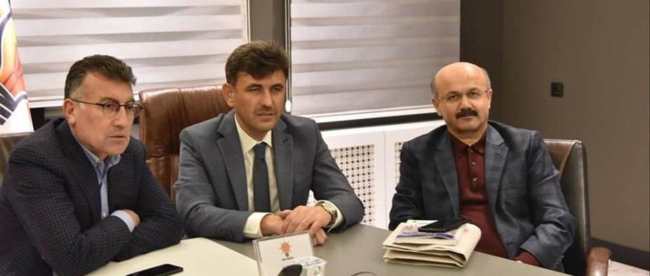 Ak Parti'de ilçe başkanlığına üç aday