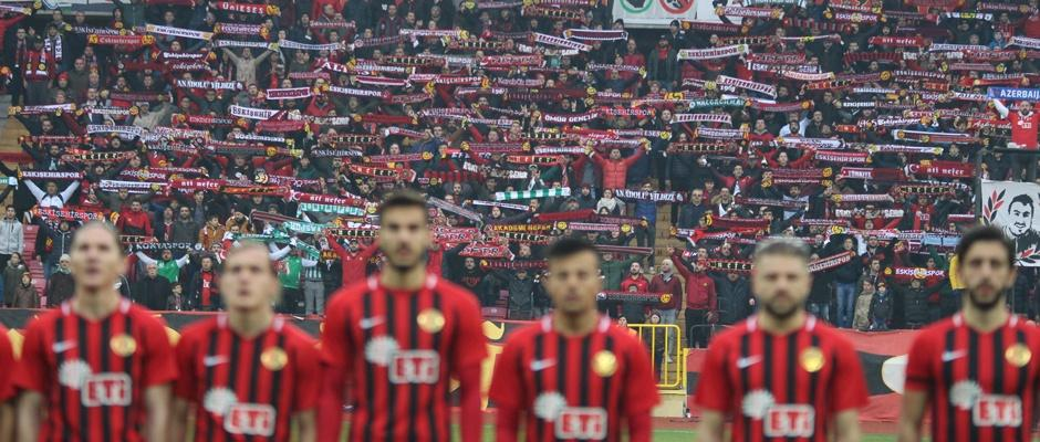 Eskişehirspor'da bir imza kaldı