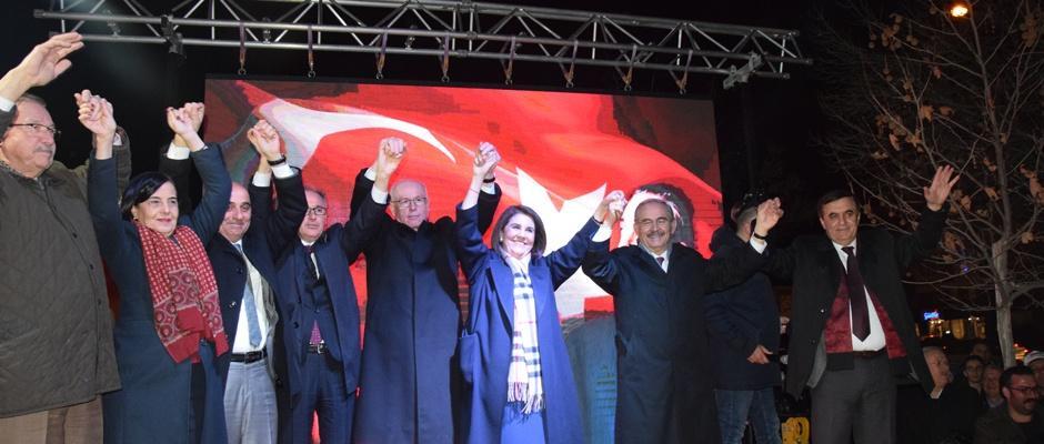Büyükerşen: Ak Partili adaylar bol keseden vaatte bulunuyorlar