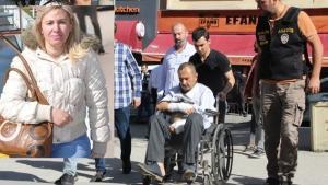 Cani koca tekerlekli sandalye ile adliyeye getirildi