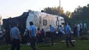 Eskişehir'de servis otobüsü devrildi: 2 ölü