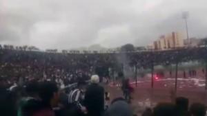 Cezayir Kupası'nda arbede: 70 yaralı