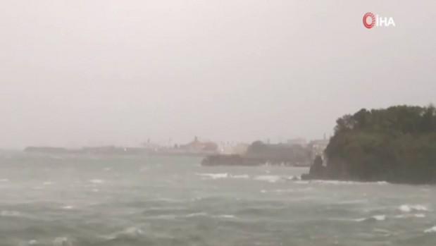 Japonya'da Tapah Tayfunu: 30 yaralı