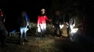 Dağda kaybolan 3 kişiye 6 saat sonra ulaşıldı