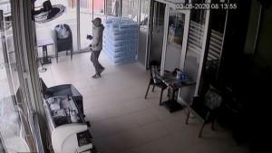 Hırsız virüsü fırsat bildi, kafeyi soydu